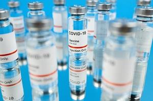 Moderna заявила про 100%-ву ефективність вакцини проти тяжких випадків COVID-19