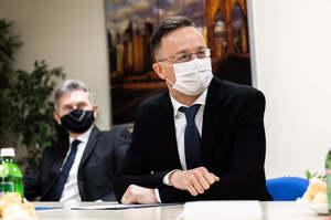 Україна здійснює заходи щодо дестабілізації відносин з Угорщиною – Сіярто