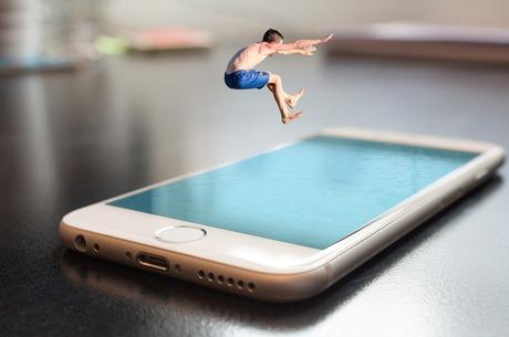 Ныряй в смартфон: как работает mCommerce в США