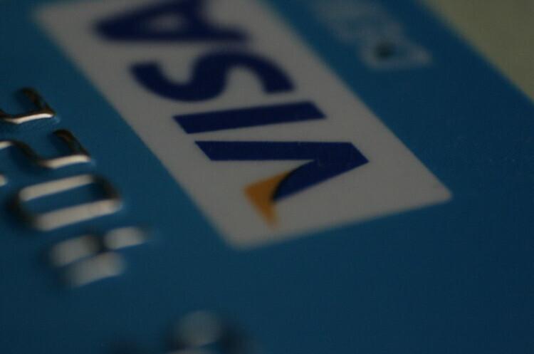 Нова кредитна карта Visa пропонує кешбек у біткойнах