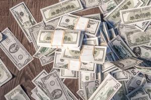 Долар впав до світових валют до мінімумів за кілька років