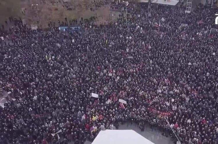 «Нікол, ти зрадник»: мітингувальники в Єревані вимагають відставки Пашиняна до 8 грудня