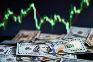 Попит на валюту зростає через зростання обсягів тіньової економіки