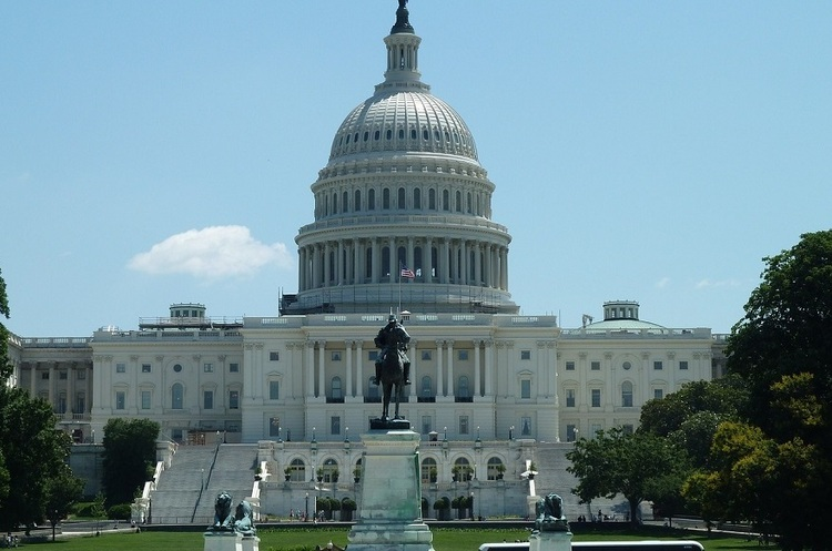 Сенат США схвалив оборонний бюджет з санкціями проти «Північного потоку – 2» і допомогою Україні