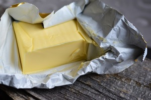 Шістьох виробників «молочки» оштрафували на понад 111 млн грн за «немасло» та «несир» - АМКУ