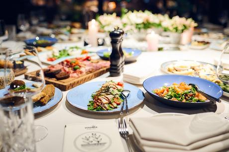 Їсти подано: 4ресторанних страви для новорічного столу
