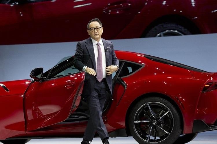 Глава Toyota розкритикував наміри країн переходити на електромобілі для покращення екології