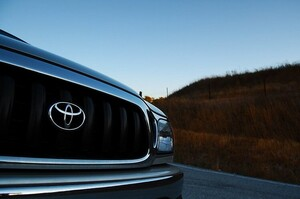 Toyota зупинила заводи в Британії та Франції через новий штам коронавірусу