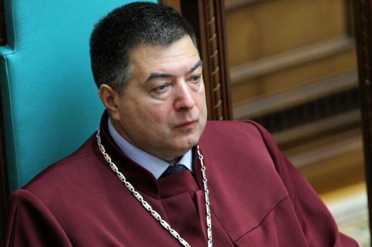 Офіс генпрокурора направив президентові клопотання про відсторонення Тупицького з посади судді КС