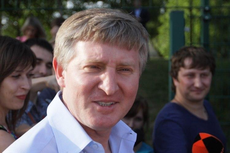 «Ощадбанк» просить суд визнати банкрутом компанію Ахметова
