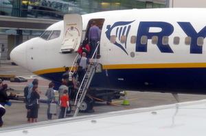 Ryanair призупинить 70% польотів з Києва до кінця березня