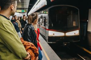 У метро Києва попередили, що можуть обмежувати вхід на станції для дотримання карантинних заходів