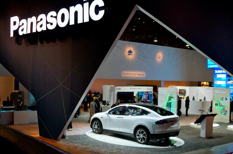 Panasonic розраховує створити безкобальтову батарею для електромобілів Tesla до 2024 року