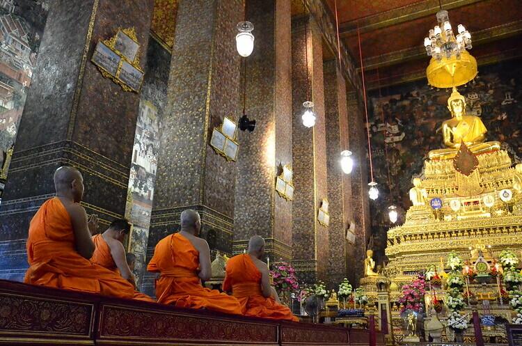 Буддійські монахи скуповують облігації ESG в Японії
