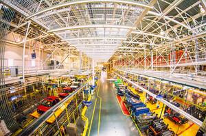 Технологічна війна Трампа з Китаєм обернулась великою проблемою для автовиробників
