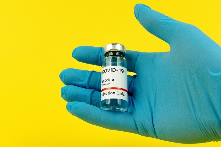 В Ізраїлі розслідують можливу контрабанду COVID-вакцини до України