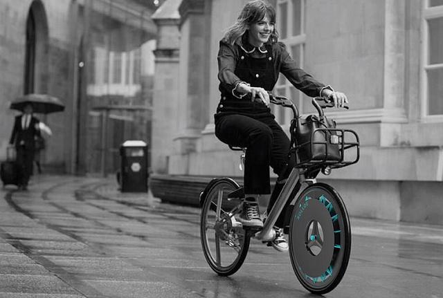 Британська студентка винайшла велосипедне колесо, яке очищує повітря