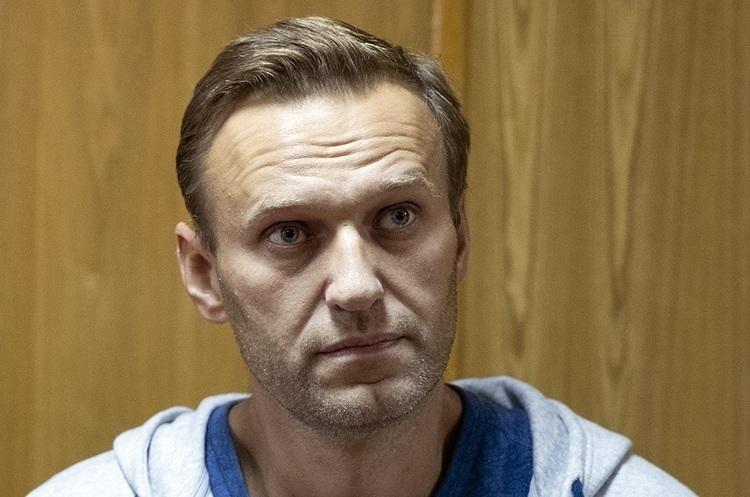 Літак Навального перенаправили в інший аеропорт