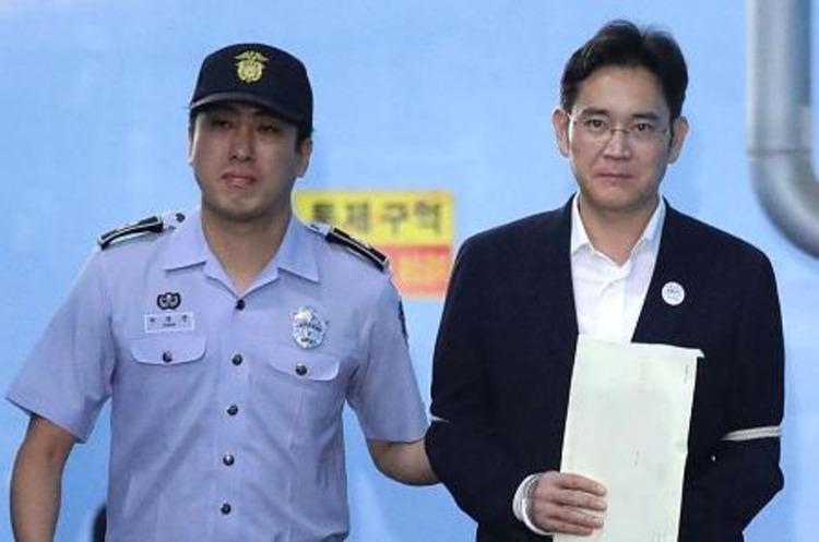 Спадкоємець Samsung Джей Лі отримав 30 місяців в'язниці у справі про хабарництво