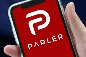 Parler врятували росіяни, соцмережа частково відновила роботу
