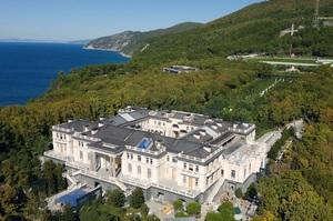 Навальний опублікував розслідування про палац Путіна площею 18 000 кв.м на березі Чорного моря (ВІДЕО)