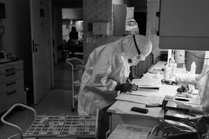 Третина людей, які перехворіли на COVID, знову потрапляють до лікарні протягом 5 місяців – дослідження