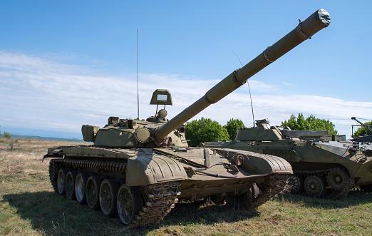 Безпілотник ОБСЄ виявив 11 невідведених танків на окупованій Донеччині