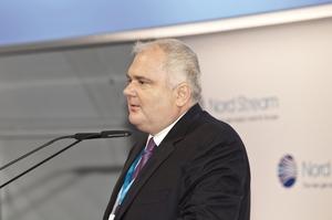 Добрий друг Путіна та директор Nord Stream 2: хто такий таємничий Маттіас Варніг