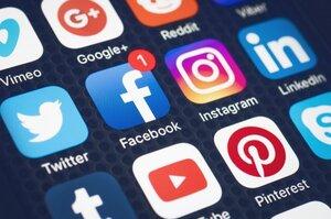 В Росії 6 соцмереж, в т. ч. Facebook і Twitter, оштрафують через інформацію про мітинги за Навального