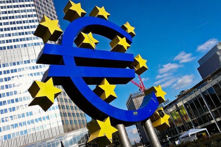 Ділова активність в єврозоні знову скорочується через нові локдауни