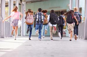Німецькі експерти: закриття шкіл і дистанційне навчання обійдеться країні в 3,3 трлн євро