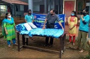 В Індії винайшли спосіб утилізації масок – з них роблять матраци для мед закладів