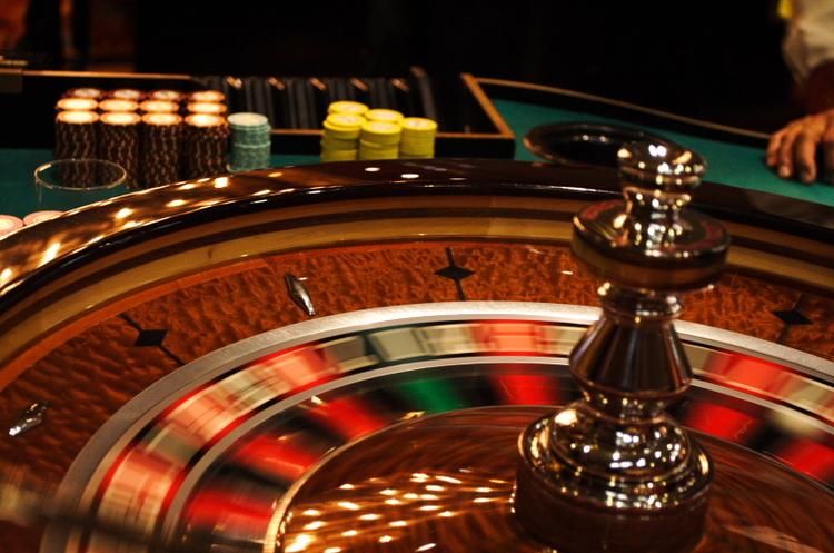 Apple обвинуватили в сприянні та отриманні вигоди з незаконних азартних ігор в App Store
