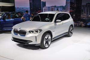 BMW знижує ціну на $10 000 на позашляховик, випущений в Китаї