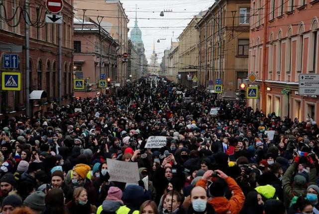 Штаб Навального оголосив про завершення акції у Москві: затримали рекордну кількість людей