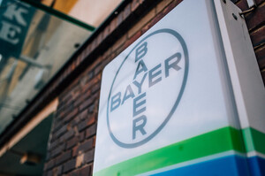 Bayer вперше випускатиме вакцину, компанія допоможе CureVac для розгортання додаткових поставок