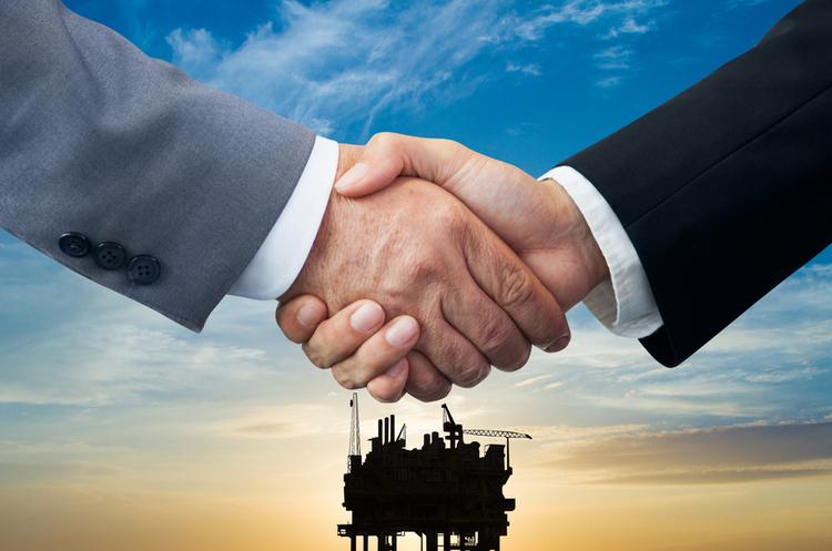 WSJ повідомила, що Exxon і Chevron обговорювали злиття через кризу, викликану пандемією