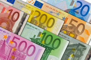 Нацбанк збільшив річний е-ліміт на закордонні інвестиції населення до 200 000 євро