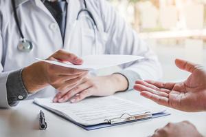 Медики мають підписані контракти зі страховими компаніями – ОП