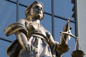 Закарпатського суддю засудили до 6 років позбавлення волі за хабарництво