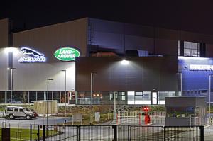 Jaguar Land Rover запланував скоротити близько 2000 працівників через реорганізацію