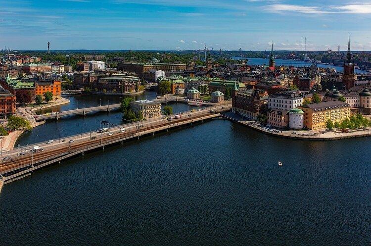 Швеція вперше готова закрити ресторани, ТРЦ та тренажерні зали, щоб уникнути нової хвилі COVID