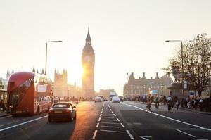 Автовласникам у Британії виплатять по 3000 фунтів, якщо вони відмовляться від своїх традиційних авто