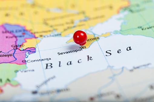Окупаційна влада в Криму заборонила говорити українською та кримськотатарською