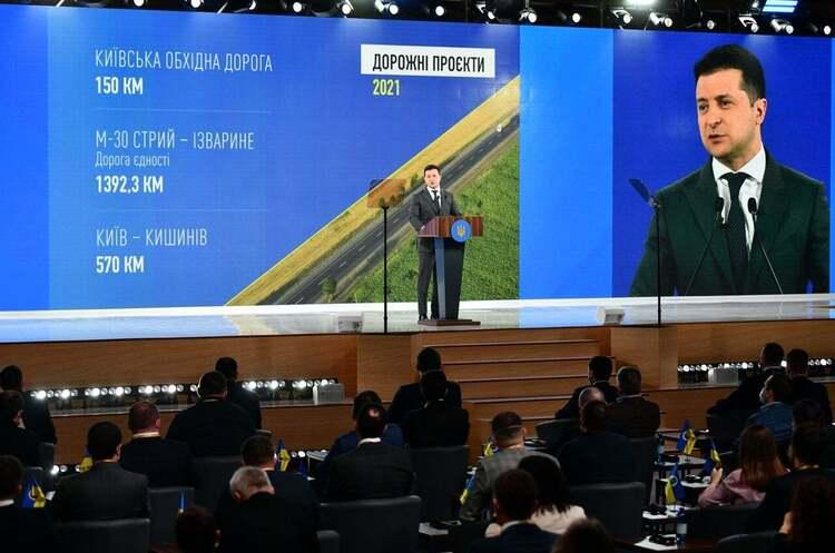 Зеленський заявив про мету держави відремонтувати 6 500 км доріг до кінця року