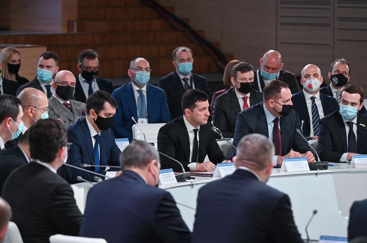 Зеленський заявив про створення конгресу для діалогу з місцевою владою