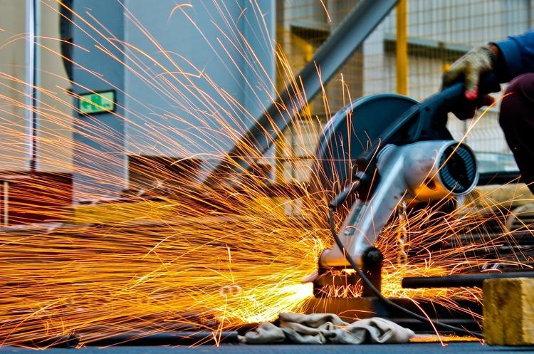У січні промвиробництво в Україні впало на 4% – Держстат