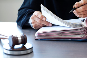Суд заборонив «ПриватБанку» забрати 247 заправок у компаній, пов'язаних із Коломойським