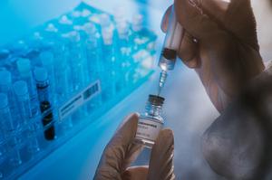 Зареєстровано перші сім повідомлень про незначні ускладнення після вакцинації – Ляшко