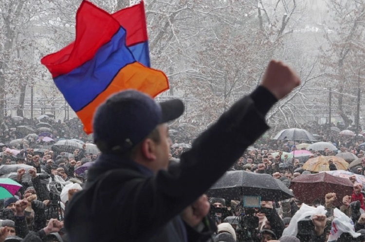 «Искандерный переворот»: как российские ракеты вызвали кризис в Армении